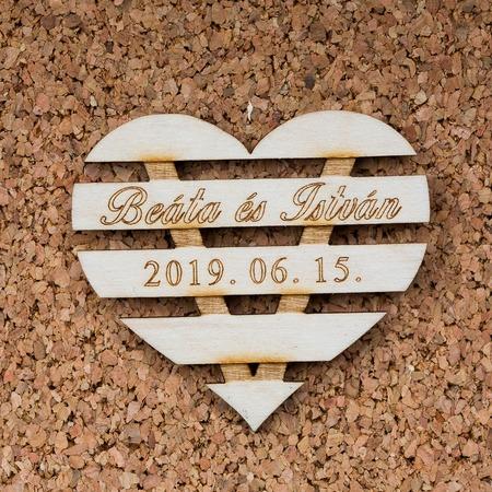 Esküvői köszönőajándék, poháralátét - Sávos szív