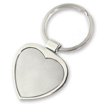 Gravírozható szív alakú kulcstartó