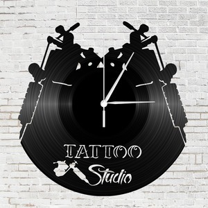Bakelit óra - tattoo studio