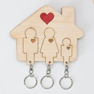 Szíves családos fali kulcstartó (apa-anya-fiú)