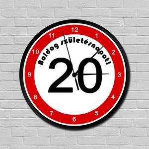 Sebességkorlátozós falióra 20. születésnapra